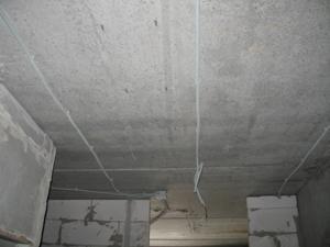Прокладка электропроводки в квартире (потолок)